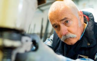 Влияет ли сумма дохода работающего пенсионера на размер его пенсии?