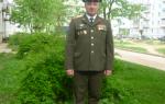 Будет ли мой муж получать военную пенсию, если при этом устроится на гражданскую работу?