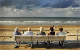 Как переводить пенсию матери в Испанию, если у нее нет возможности приезжать для ее получения?